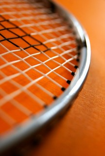 3 Winning Hybrid Tennis Racket String Combinations